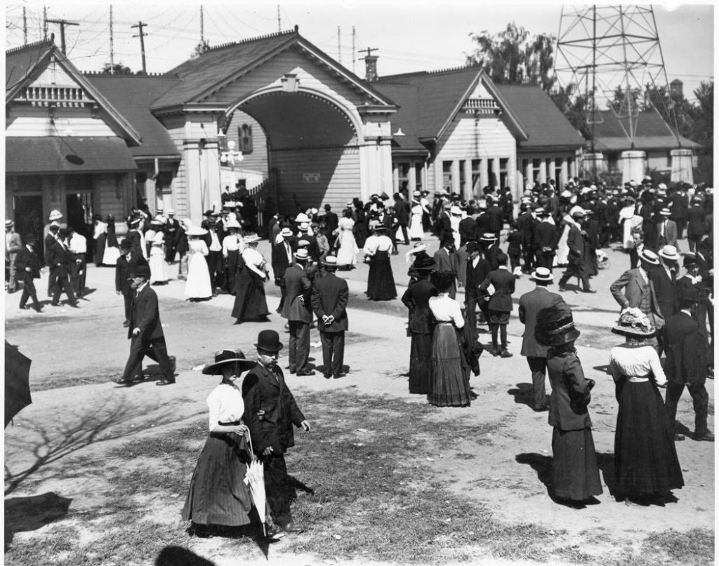1908 - The Exhibition's first Dufferin Gate