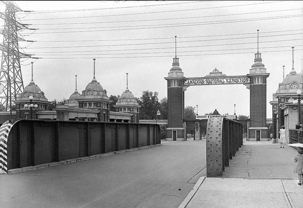 1937 - Looking southeast toward the second Dufferin Gate from the railway bridge