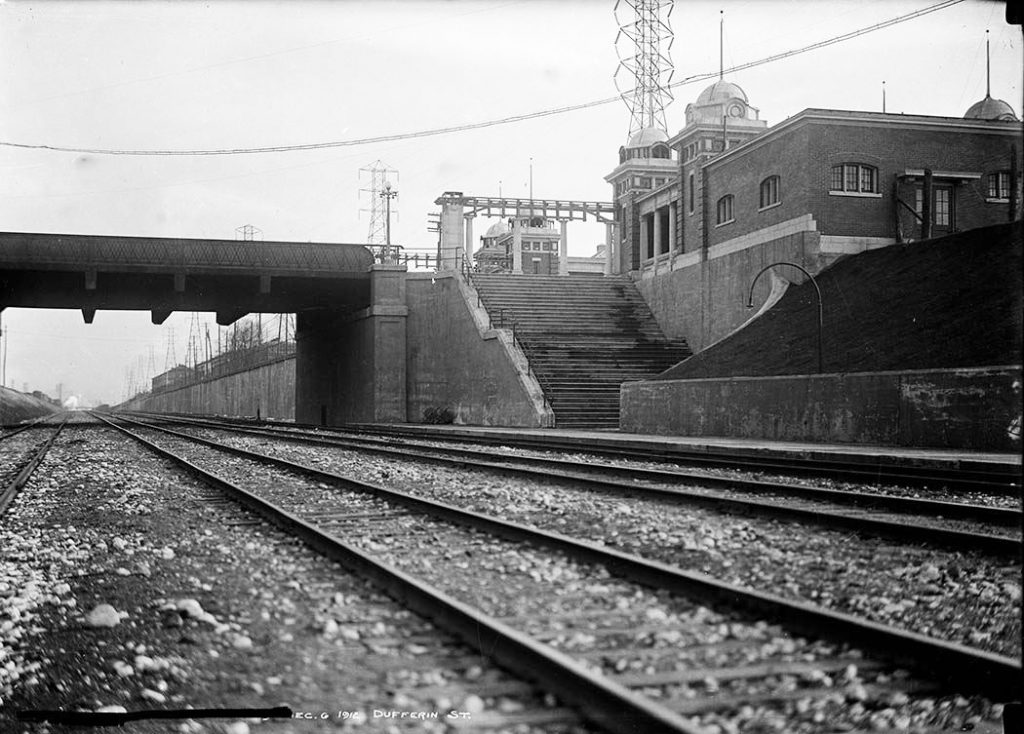 1912 - CN Railway tracks and the second Dufferin Gate, looking southeast