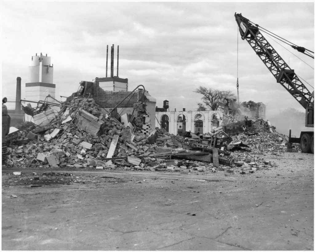 1958 - Demolition of the second Dufferin Gate
