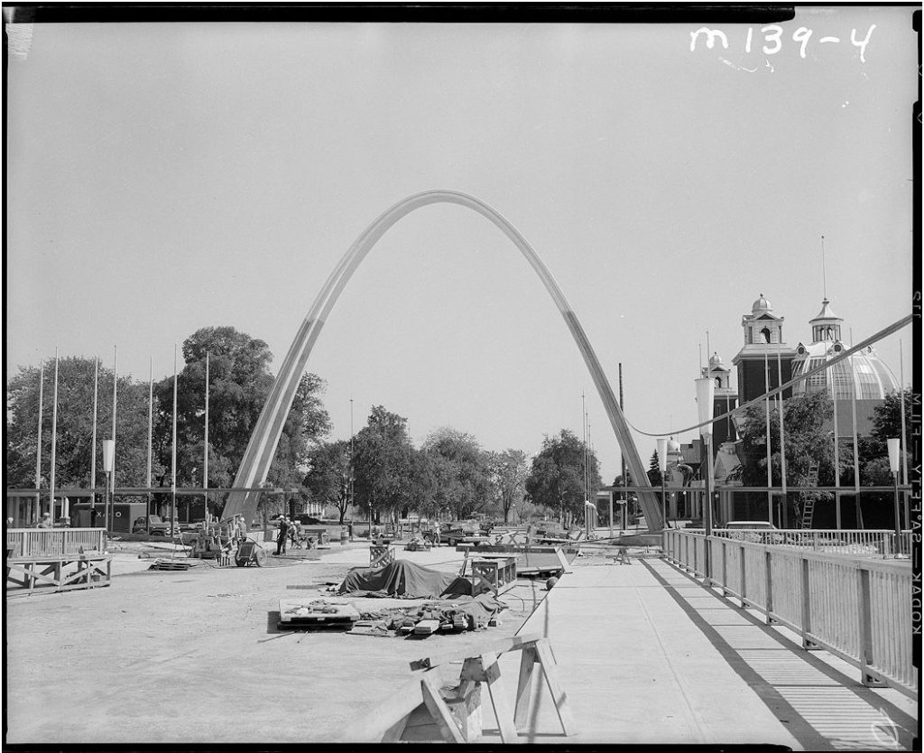 1959 - The Dufferin Gate and the Gardiner Expressway while under construction
