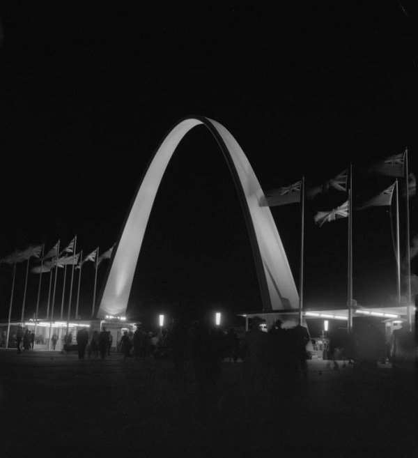 1961 - The Dufferin Gate lit up at night