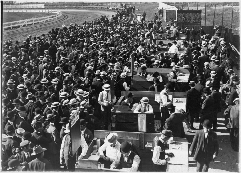 1910 - Betting enclosures at the racetrack
