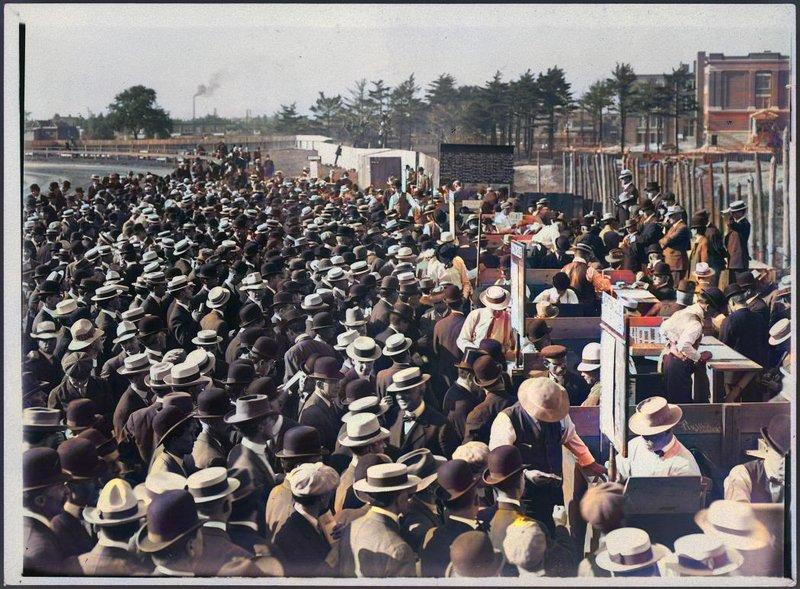 1908/09 - Open-air betting at Dufferin Park