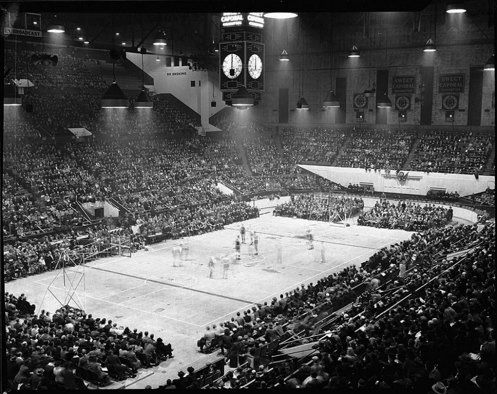 1946 - A basketball game at Maple Leaf Gardens