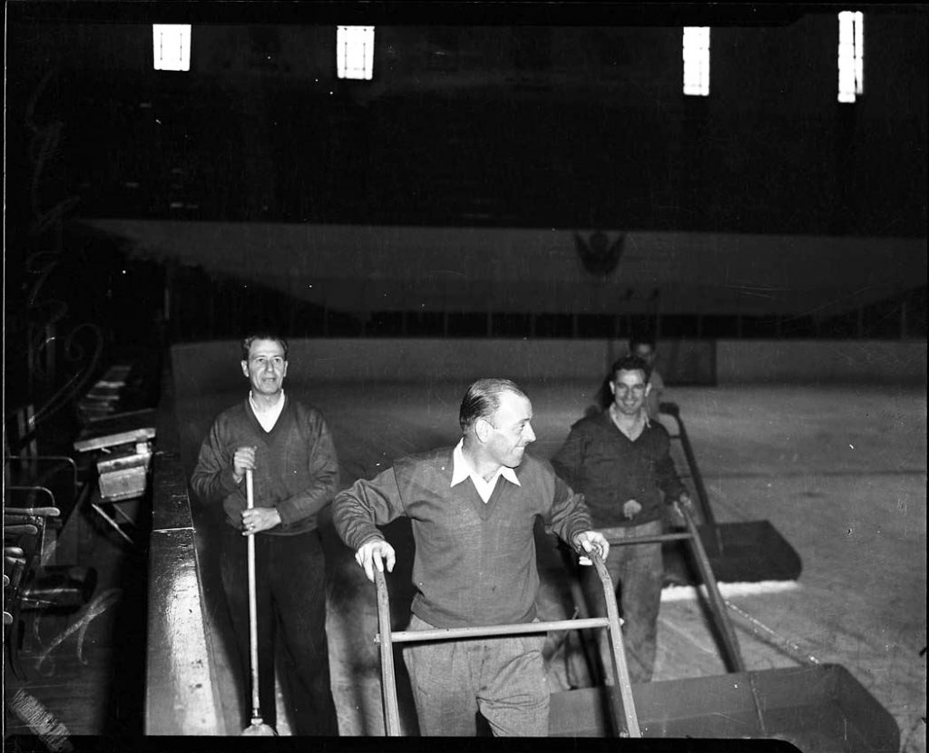 1940/60 - Cleaning the ice at The Gardens