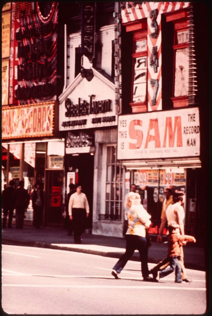 1970/72 - Steele's Tavern and Sam the Record Man at Yonge & Gould Sts