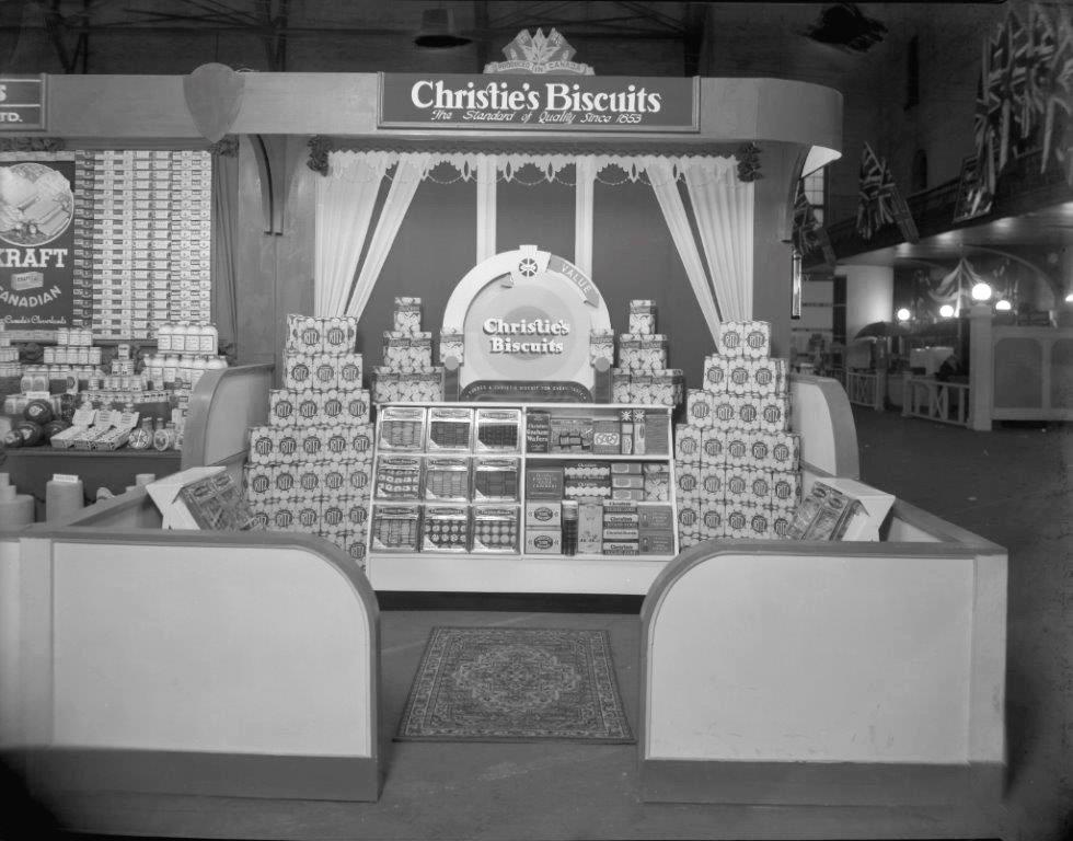 1936 - Christie's Biscuit display