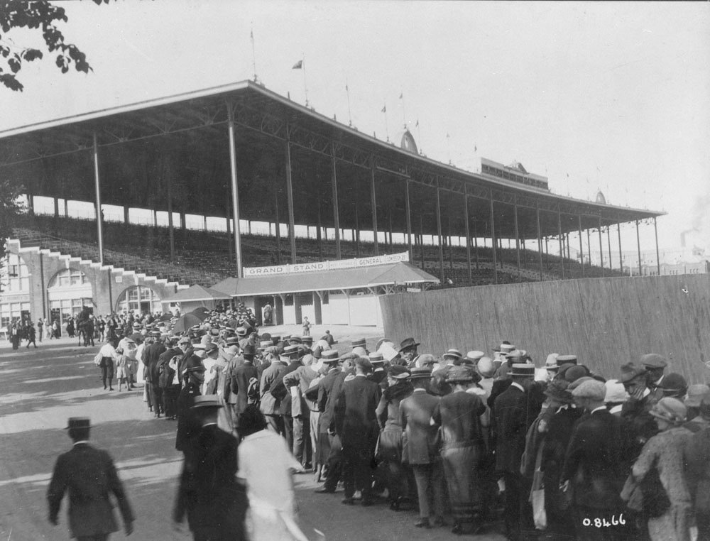 1910 - Crowds lining-up at the third Exhibition Stadium