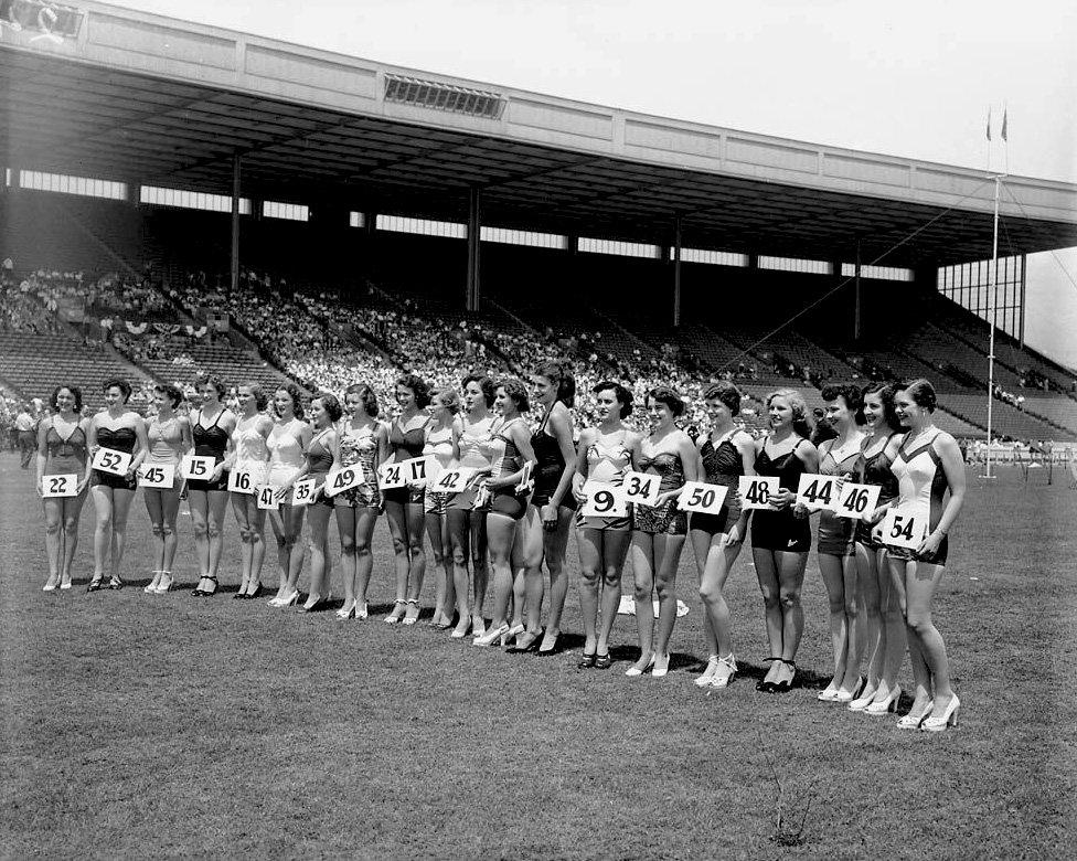 1950 - Miss Toronto beauty contest at Exhibition Stadium