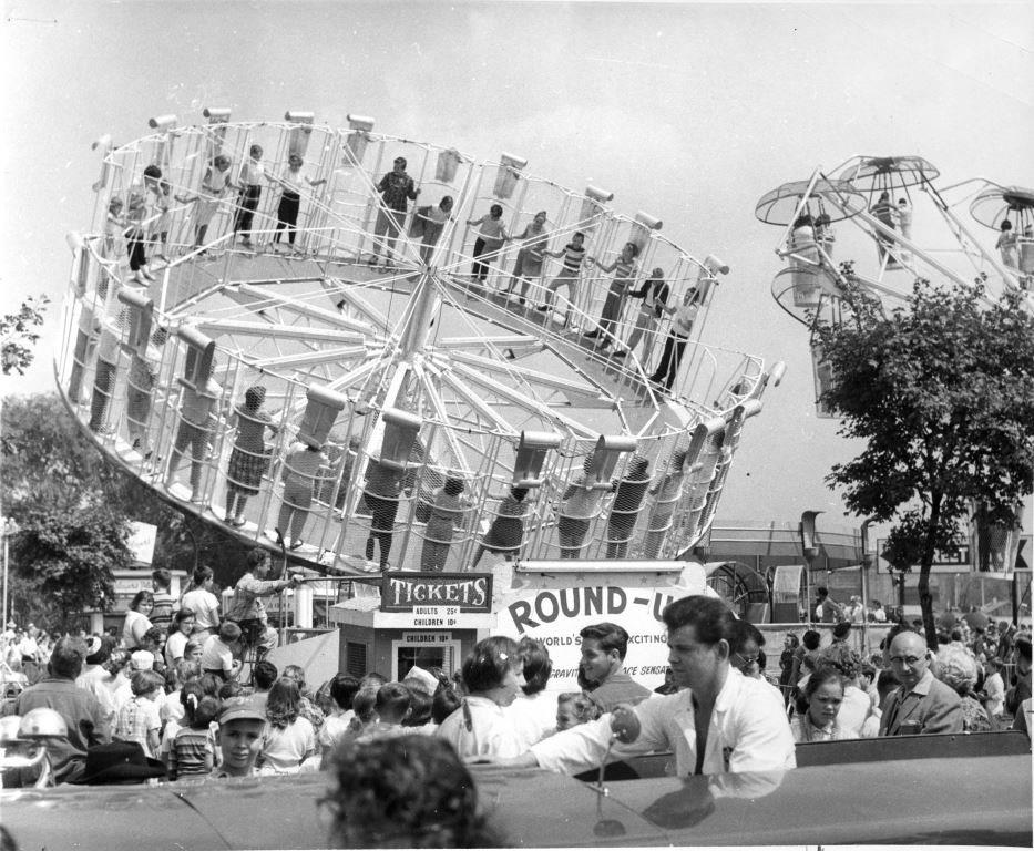 1960's - Round-Up ride