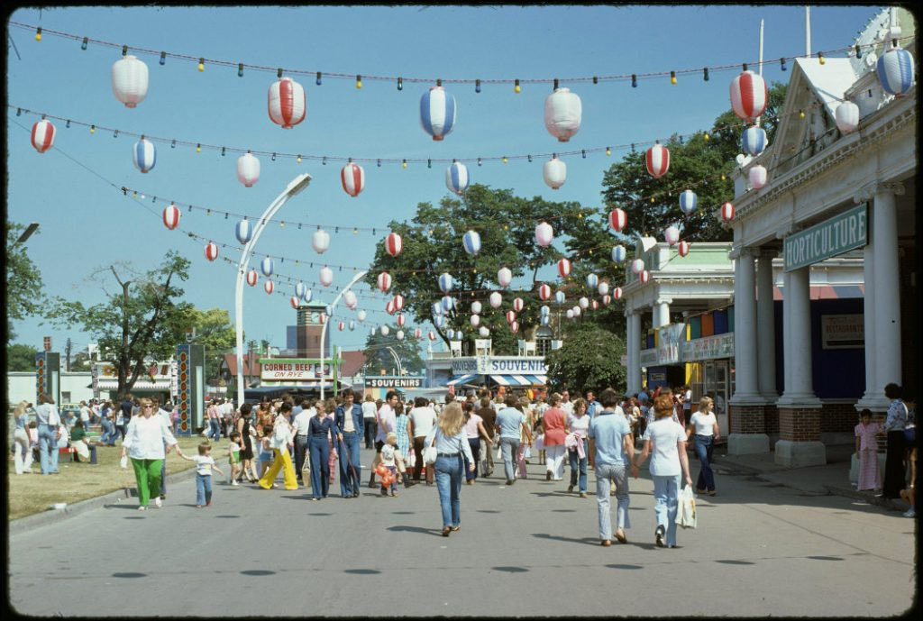1974 - Crowd in front of the Horticulture Building at the CNE