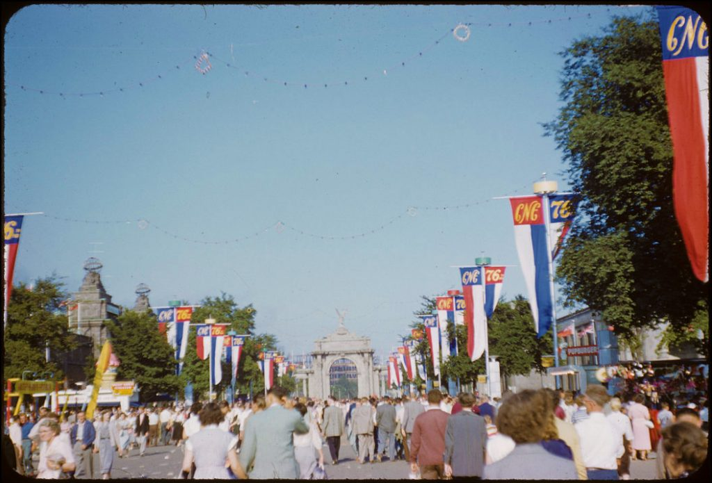 1954 - Crowds entering and exiting the CNE through the Princes' Gates
