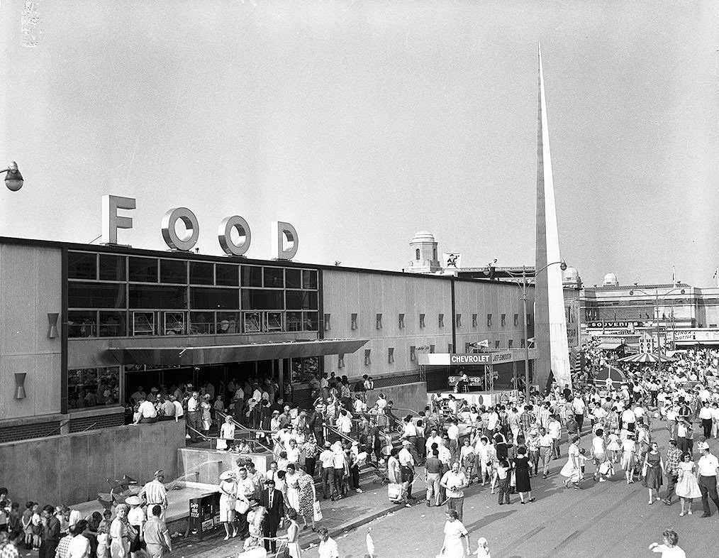 1950's - Crowds at the Food Building