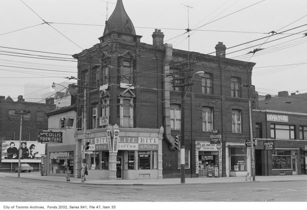 1972 – Lite Bite Coffee Shop was once at 441 Queen St W (at Spadina Ave) - now Basil Box