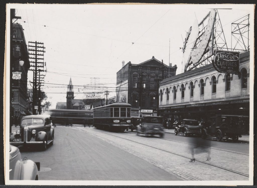 1936 - Stollery's at Bloor and Yonge Sts, looking east