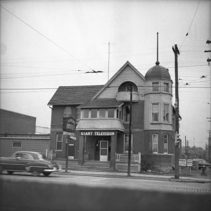 1953 - Almont Hotel once at Lakeshore Blvd W and Kipling Ave, northwest corner