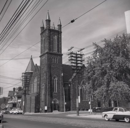 1956 - Bloor Street United Church at 300 Bloor St W at Huron St (Toronto Public Library r-169)