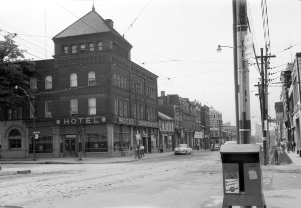 1954 – Hotel Torontonian once at Yonge St and Alexander St, southeast corner - building no longer exists