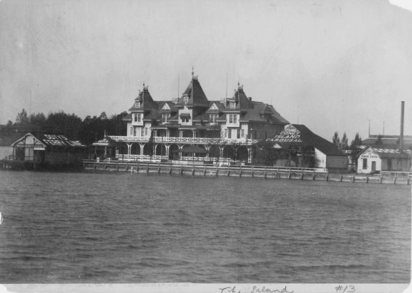 1885-95 - Hanlan's Hotel once at Hanlan's Point on the Toronto Islands - building no longer exists