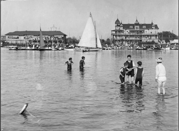 1907- Hanlan's Hotel once at Hanlan's Point on the Toronto Islands - building no longer exists