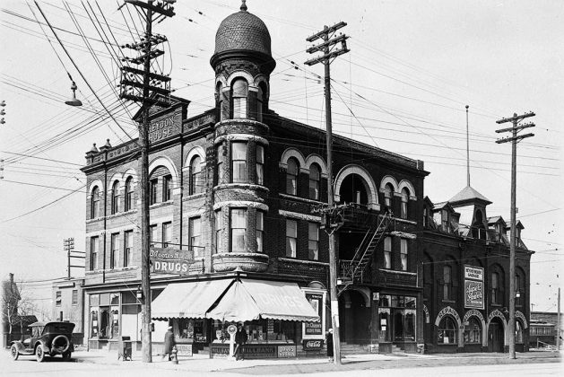 1927 - Heydon House once at St Clair St W and Old Weston Rd, northwest corner