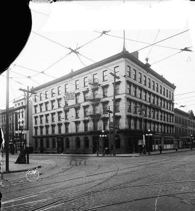 1919 - Iroquois Hotel later became Metropole Hotel once at King St W and York St, southwest corner - building no longer exists