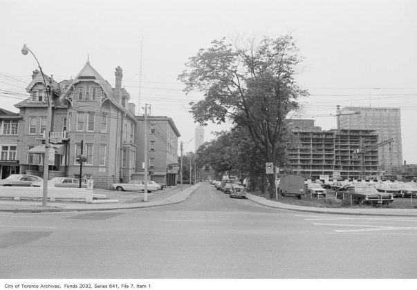 1972 - Maison Selby at 592 Sherbourne St, at Selby St