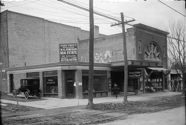 1921 - Capitol Theatre (Cappy Ricks was playing) once at 2492 Yonge St at Castlefield Ave, northwest corner - opened from 1918 to 1998