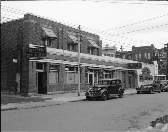 1945 – Hotel Breadalbane once at Yonge and Breadalbane Sts, northwest corner