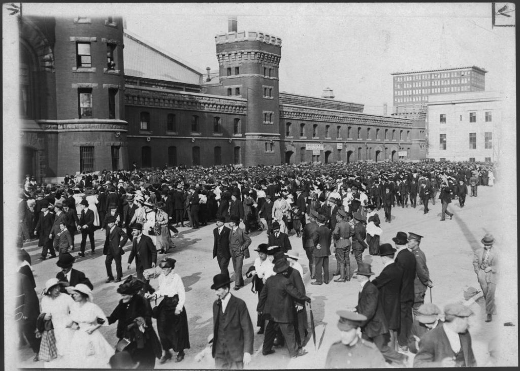 1914 - Caption mentions this may have been the first occasion that soldiers left for overseas during World War I at the University Avenue Armouries