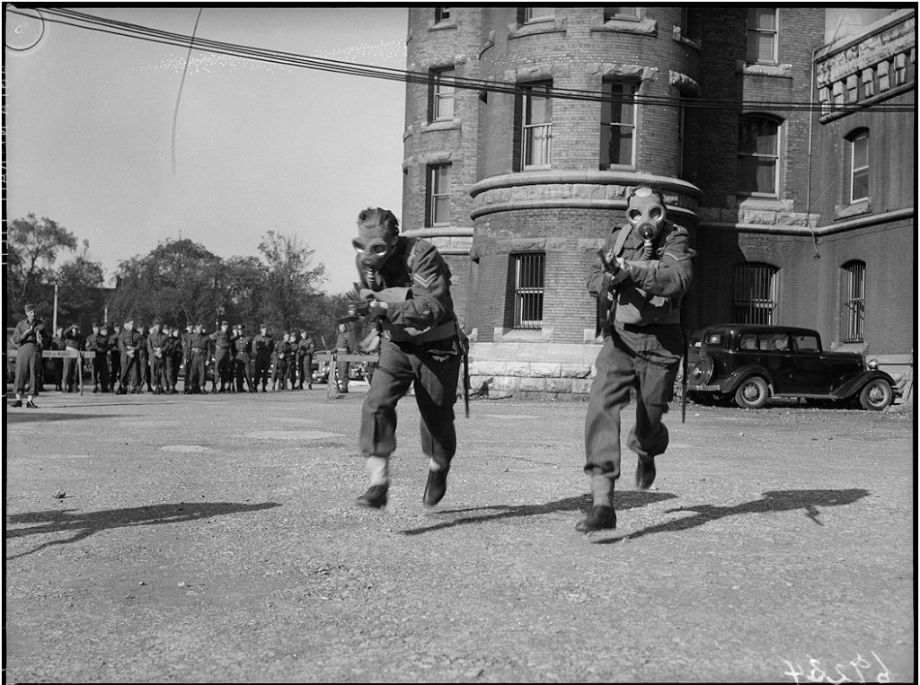1940 - Troops training at the Armouries