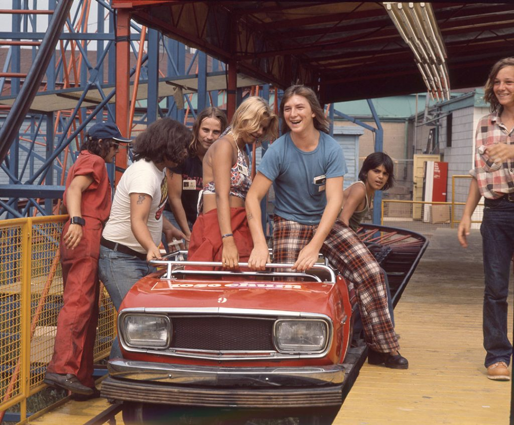 1970's - Plaid pants and T-shirts on the CHUM Wild Cat ride