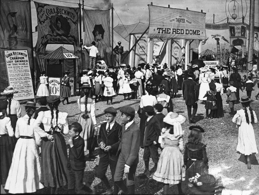 1904 - The Midway at the Exhibition