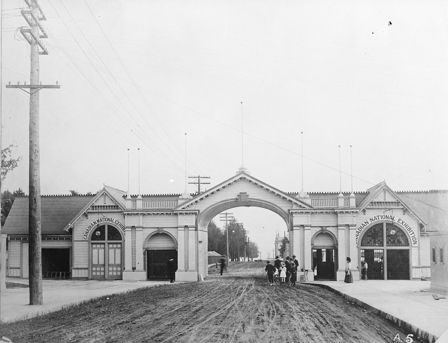 1900/09 - The first Dufferin Gate at the Canadian National Exhibition, looking south