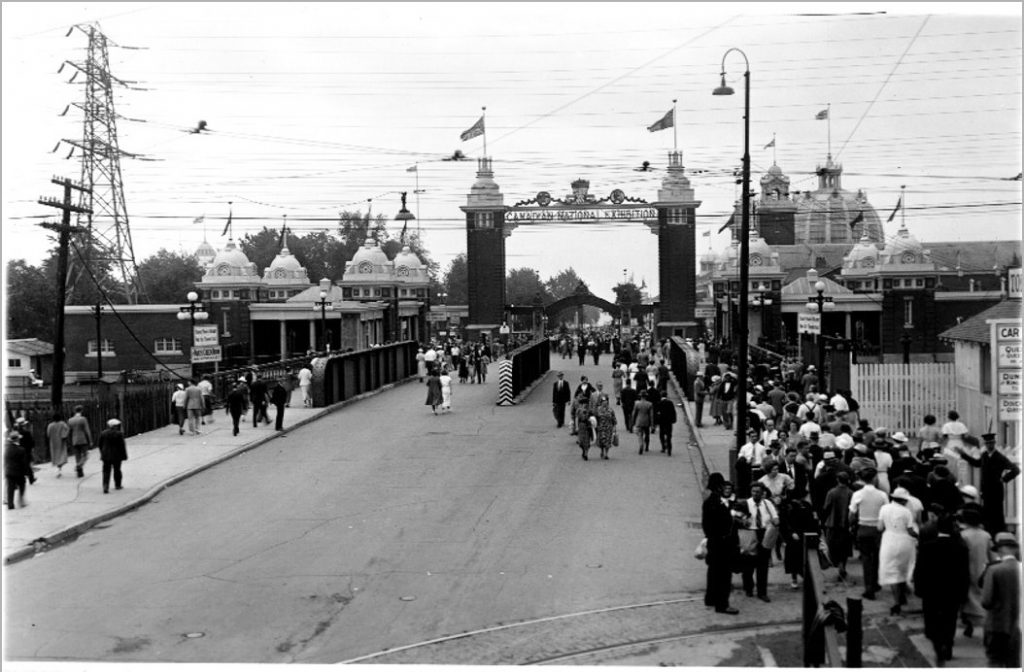 1936 - The Dufferin Gate during the Canadian National Exhibition