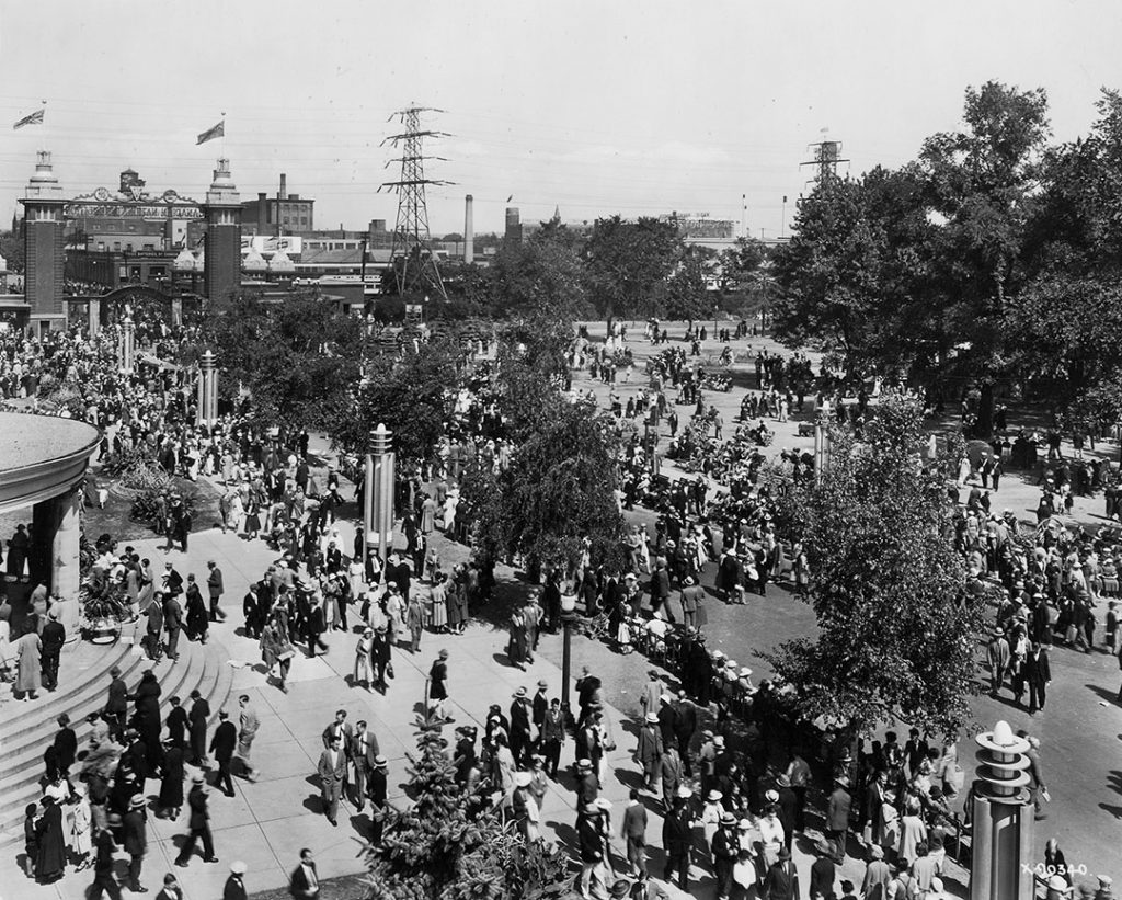 1935 - Crowds at the Canadian National Exhibition