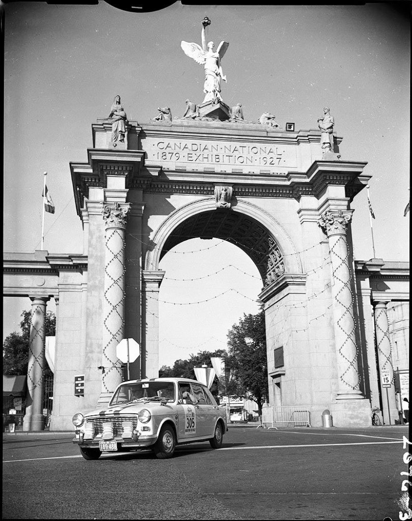 1965 - Car 305 leaving Exhibition grounds via Princes' Gates, at the start of The CNE's first marathon car rally