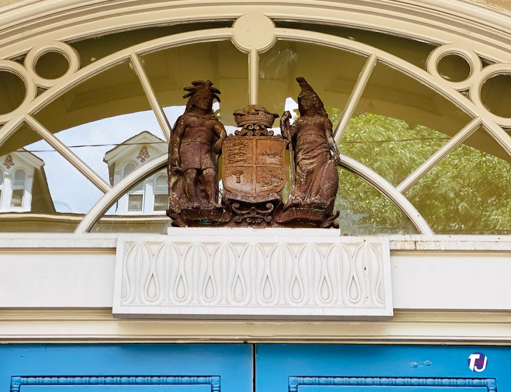 2021 - Statues above the main door of St Lawrence Hall
