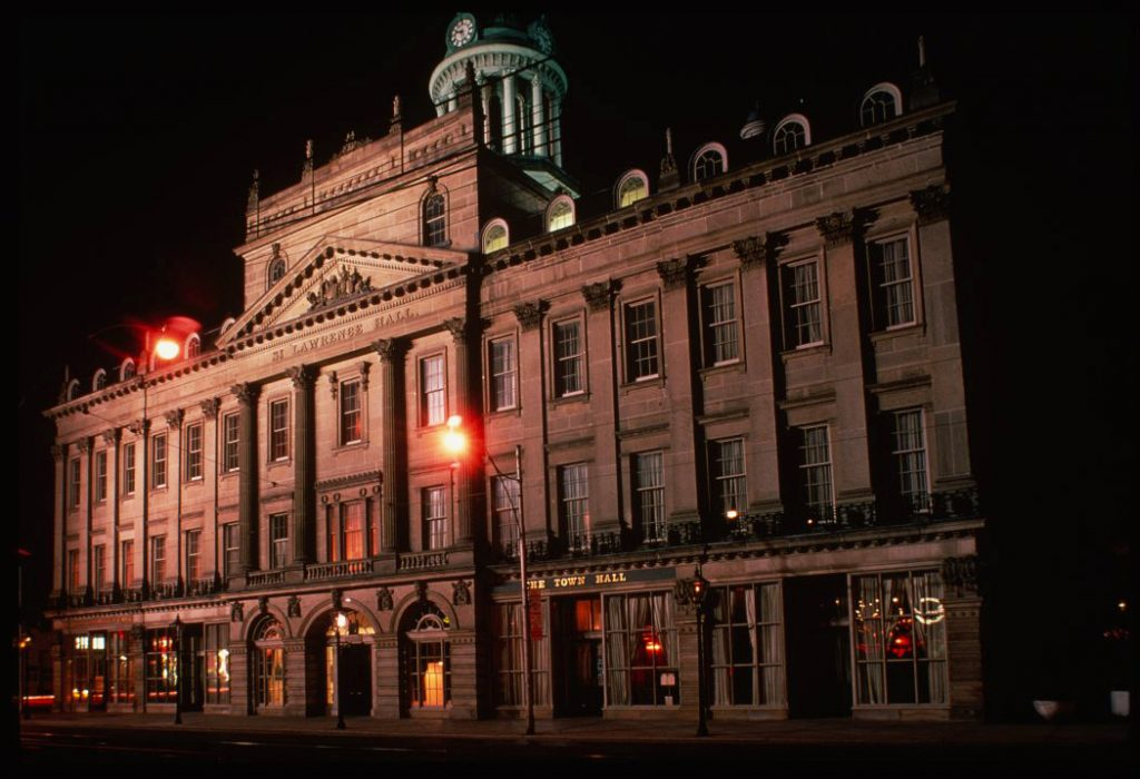 1980's - The historic Hall at night